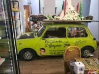 Green theme - a mini in Milan