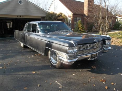 Cadillac Fleetwood from right side