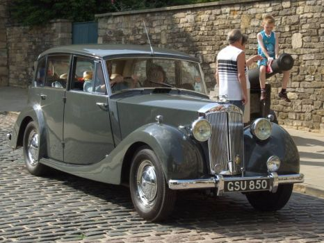 Triumph Renown ( 1949-54) at Castle Hill, Lincoln - 8th Jun 2008