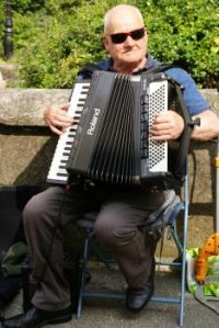 Tenby Accordianist