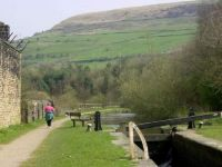 A cruise along the Huddersfield Narrow Canal (220)