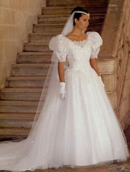 Wedding dresses I tried on in 1989 Number 1