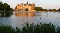 Schloss Schwerin im Abendrot