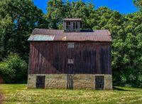 1876 Barn