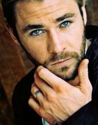 Nightly indulgence 2: Chris Hemsworth