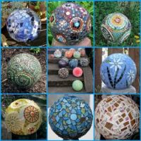 GARDEN IDEAS-MOSAIC ART BALLS...
