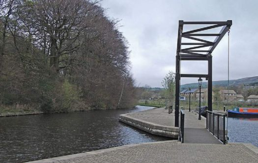 A cruise along the Huddersfield Narrow Canal (316)