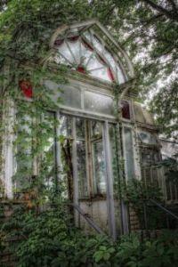 abandoned-conservatory