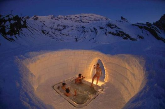 Outdoor jacuzzi on the Matterhorn
