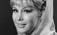 CUTIES: Barbara Eden
