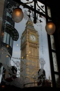 Big Ben from St Stephen's Tavern - but it's the review of St. Stephen's (which I included) that drew me