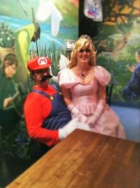 HALLOWEEN:  PRINCESS PEACH & MARIO
