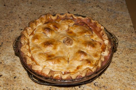 After a dinner of home made Ravioli I made a peach pie.
