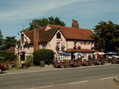 17th century 'The Red Lion' inn, Kirby-le-Soken, Essex.  Photo by Robert Edwards