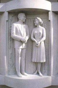 George Burns and Gracie Allen Sculptures, N. Hollywood, California, U.S.A.
