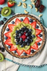 Greek-Yogurt-Fruit-Tart-with-Ginger-Date-Crust