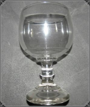 THEME - GLASSWARE & ANTIQUES
