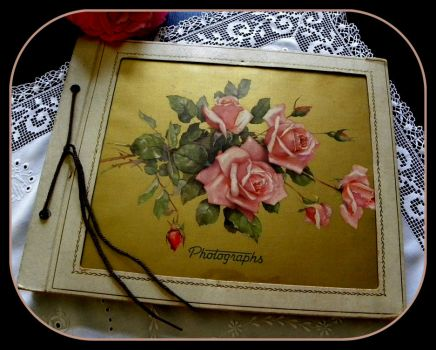 Pinknblack form the Past - Vintage Scrapbook