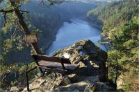 Jedno z nádherných vyhlídkových míst nad řekou Jihlavou (nyní Dalešická přehrada) - vrchol Halířovy skály, zvaná Halířka