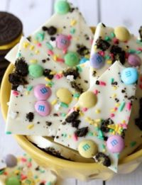Easter Oreo Bark, recipe link included