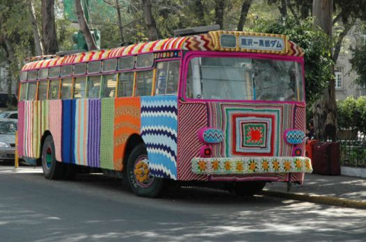 Yarn bombing a bus in Mexico City