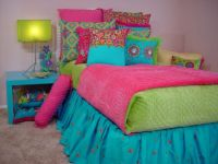 Bright and Cheery Girl's Room!