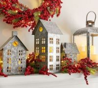 Farmhouse decorations and Berries