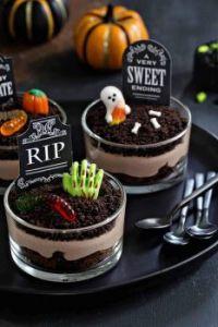 HalloWeen Brownie GraveYard Dirt Pudding