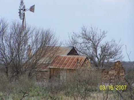 Old barn near Mason TexAS