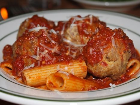 Rigatoni and meatballs,one of my fav,come and get it!