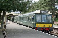 Class 117 51405, 59510 & 51363 in BR green livery stands at Winchcombe on the Gloucester Warwickshire Railway