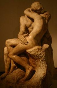 Rodin's__The_Kiss__in_Buenos_Aires