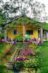 Cottage and Garden with a Fusca