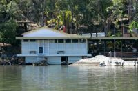 191_6929  house in ''the Oyster Farmer'' movie filmed on the Hawkesbury River