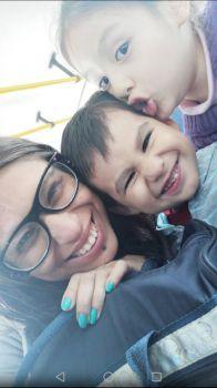 Mi hija menor y mis nietos.
