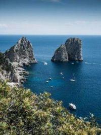 Wenn bei Capri die rote Sonne im Meer versinkt.