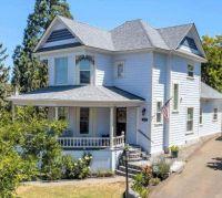 1905 Victorian Home in Oregon