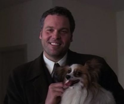 Vincent D'Onofrio as Det. Bobby Goren in Law & Order:CI, cuddling a dog and being freaking ADORABLE