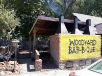 Entrance to Woodyard Bar-B-Que