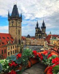 COLOURFUL PRAGUE