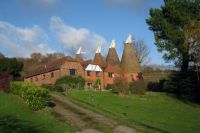 Barn Hill Oast, Barn Hill, Hunton, Kent.  Photo by Oast House Archive