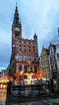 Naptune fountain,the Main Town Hall Gdansk, Poland.   5979