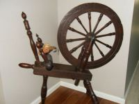GREAT GREAT GRANDMA'S SPINNING WHEEL