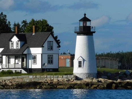 Lighthouses of the U.S. - UNC-Chapel Hill -Eastern Maine