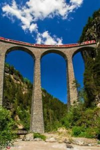 Landwasserviadukt, Schmitten, Switzerland ~ OMW! Imagine being in that train up there!