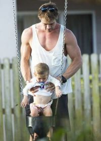 Chris Hemsworth with daughter, India Rose