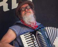 Barry in the Wandering Cabaret Caravan -- listen as you solve