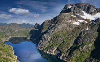 Norway_Lofoten_Lake_Trolltindan