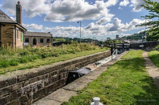A cruise along the Huddersfield Narrow Canal (912)