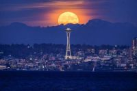 Blue Moon in Seattle
